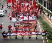 12 Alasan kenapa Buruh MENOLAK Omnibus Law RUU Cilaka #Cilaka12